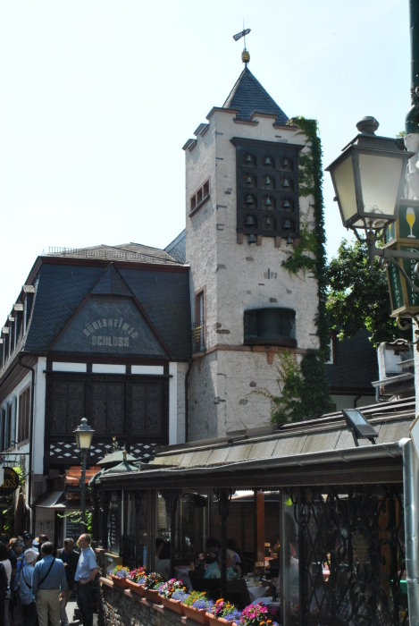 """Weingasthaus und Hotel - Rüdesheimer Schloss"""""""