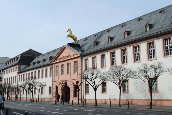 Landesmuseum Mainz ( ehemals Golden-Ross-Kaserne)