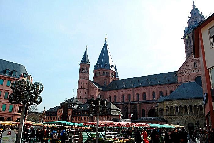 Der Hohe Dom St. Martin zu Mainz