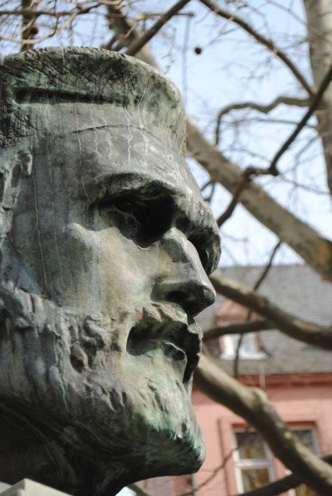 Johannes Gutenberg (* um 1400 in Mainz; † 3. Februar 1468 in Mainz)