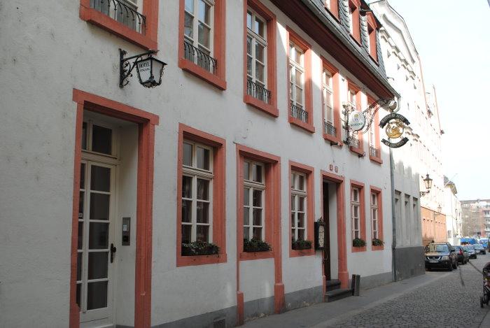 """Weinstube und Hotel """"Hof Ehrenfels"""""""